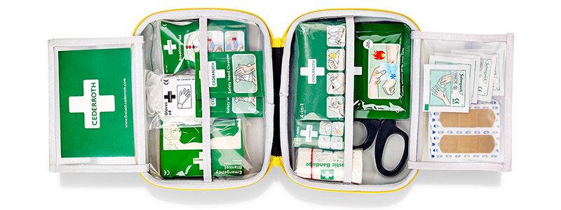 Apteczka w torbie Cederroth 390101 First Aid Kit – średnia